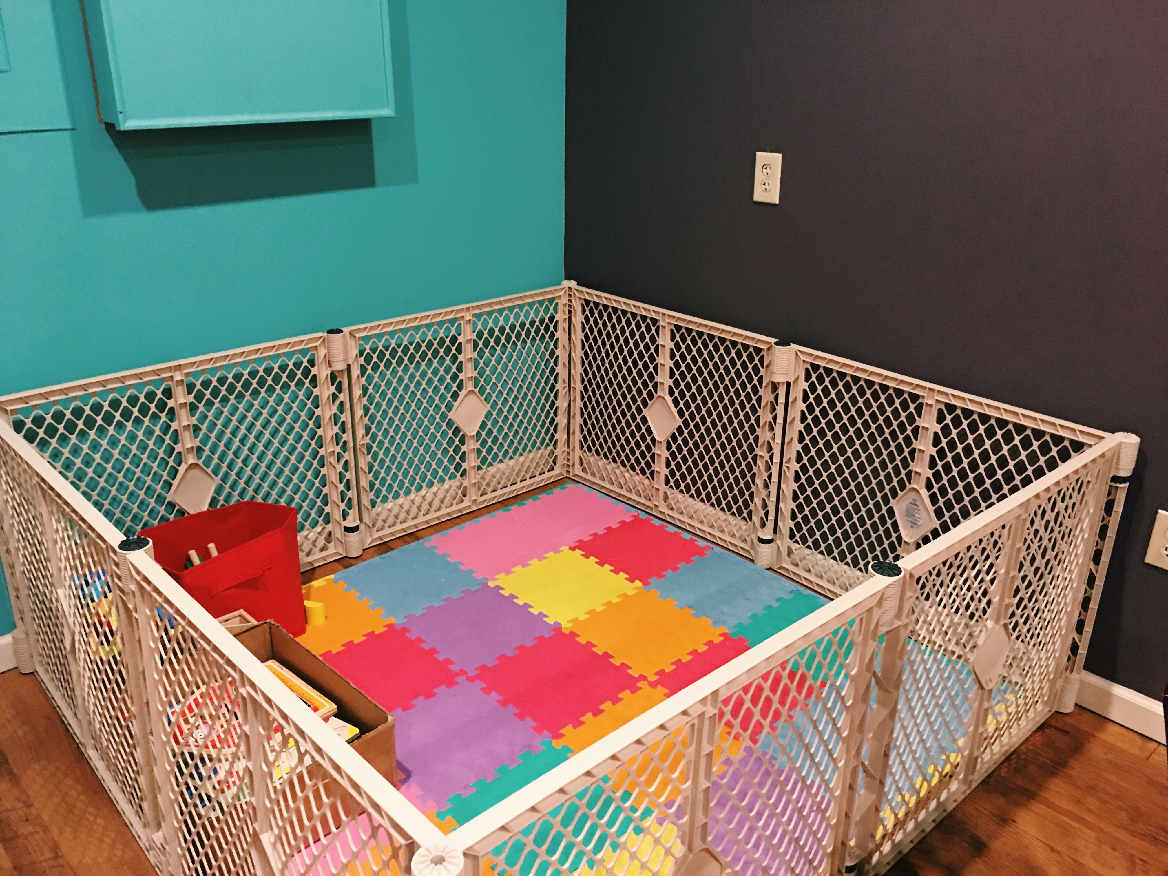 A corner in the back of the shop is home to a mini childcare center for parent customers.